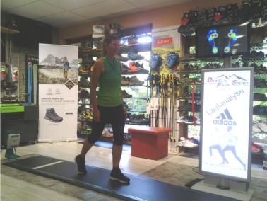 Shoe Fitting in Bewegung - von molibso
