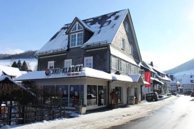 Außenansicht Ski- Klauke im Winter