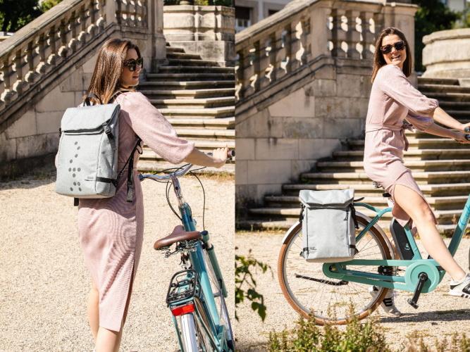 Zwei Fahrradrucksack