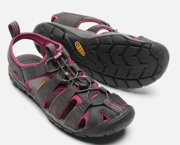 KeenCLEARWATER LEATHER CNX